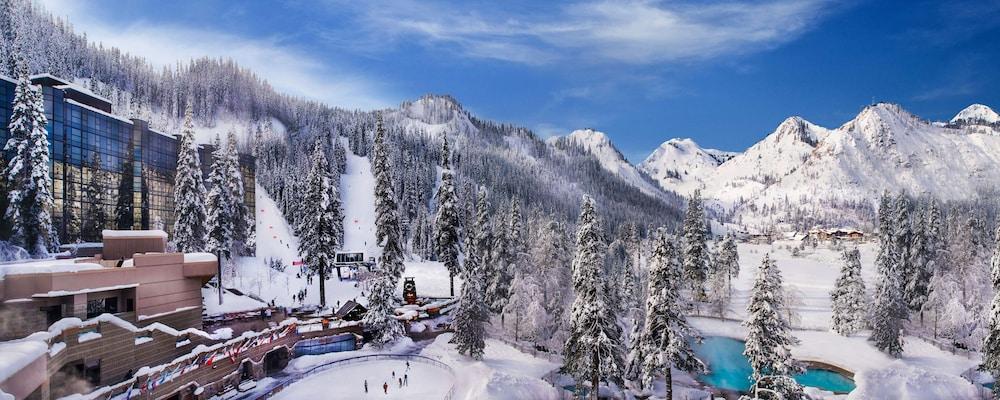 https://i.travelapi.com/hotels/1000000/20000/13700/13668/e0eb484a_z.jpg