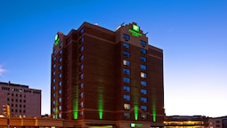 Holiday Inn and Suites Winnipeg Downtown, an IHG Hotel