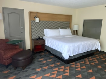 Suite, Non Smoking (1 Bed, Whirlpool Tub)