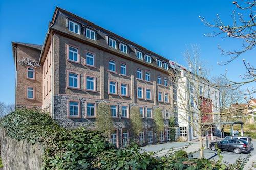 . Best Western Premier Hotel Villa Stokkum