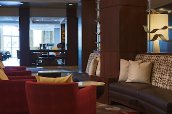 Lobby at Gaithersburg Marriott Washingtonian Center in Gaithersburg