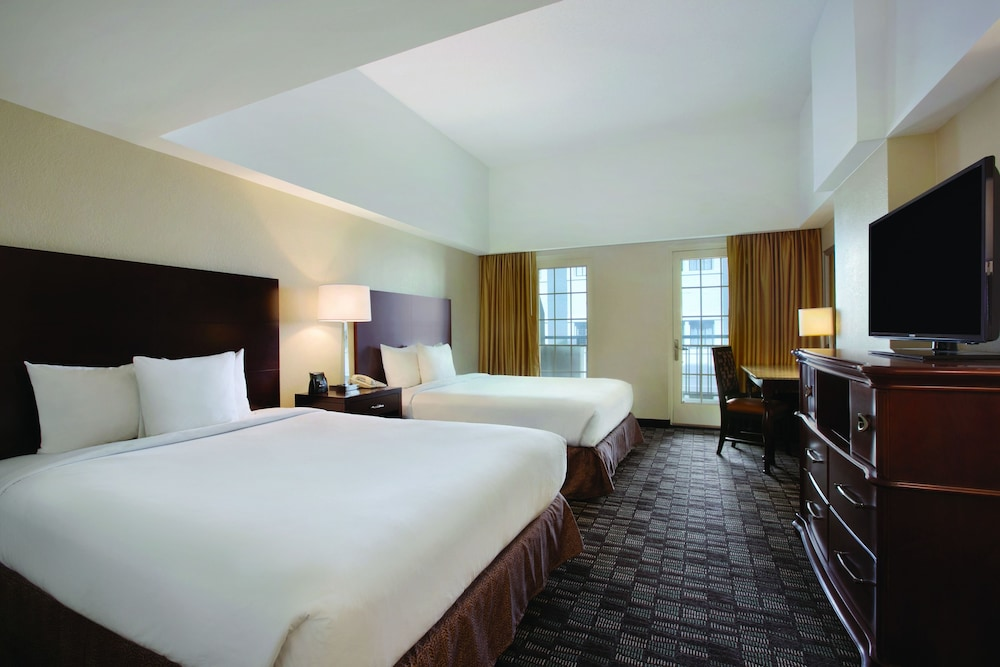 Suite, 1 King Bed, Balcony, View