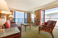 Club Suite, 1 Queen Bed, Oceanfront