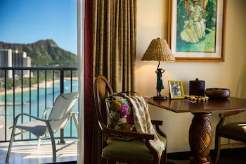 Club Suite, 1 King Bed with Sofa bed, Oceanfront (Diamond Head)