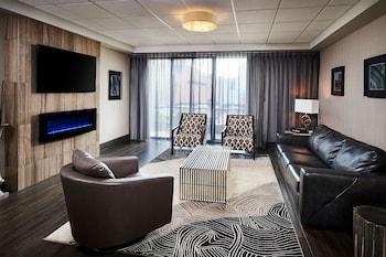 Junior Suite, 1 Bedroom, Fireplace, City View
