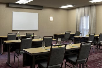 Courtyard by Marriott Chicago Naperville