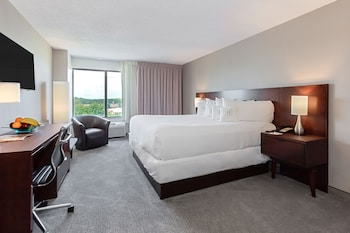 Guestroom at Harborside Hotel in Oxon Hill
