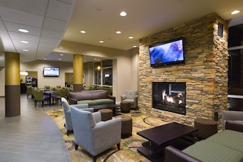 Lobby at Holiday Inn Express Philadelphia - Penns Landing in Philadelphia