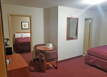 Suite, Non Smoking (3 Queen Beds)