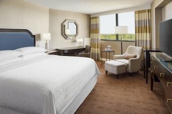 Club Room, 1 King Bed, Corner