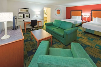 Deluxe Suite, 2 Double Beds, Non Smoking