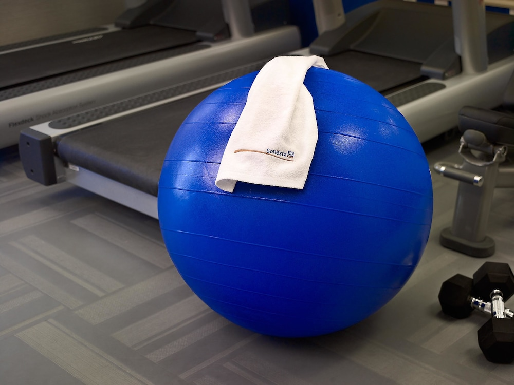 Health and Fitness : Fitness Facility 10 of 57