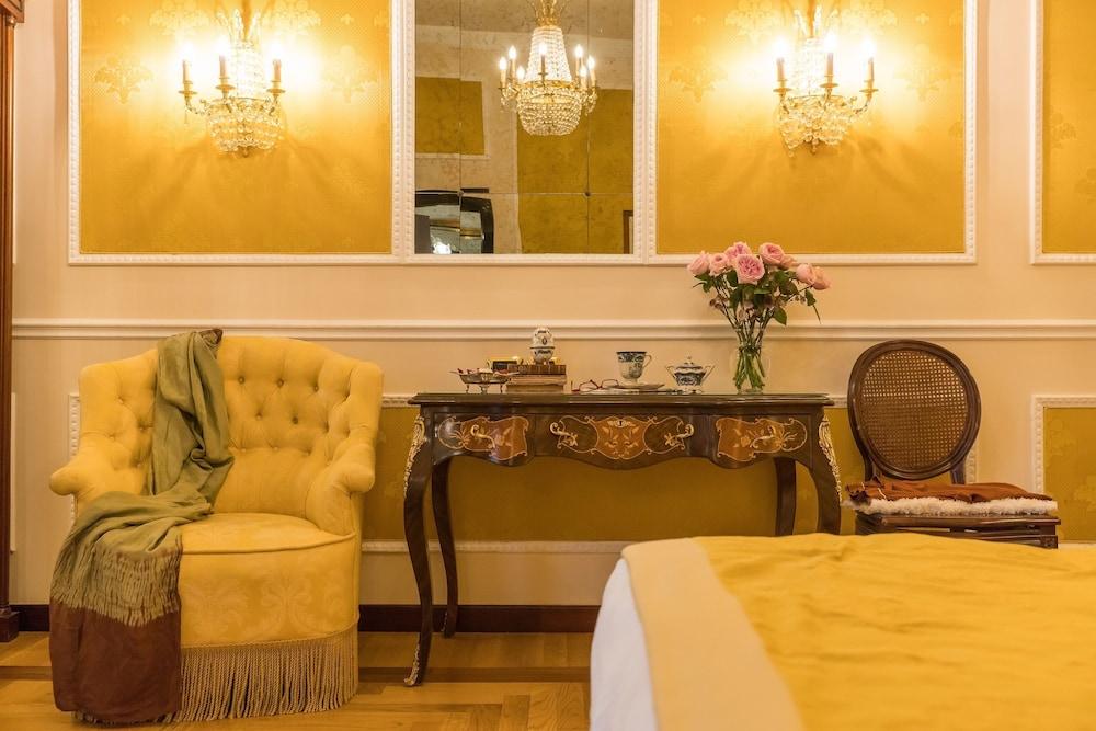 버니니 팰리스 바이 발리오니 호텔(Bernini Palace) Hotel Image 7 - Guestroom