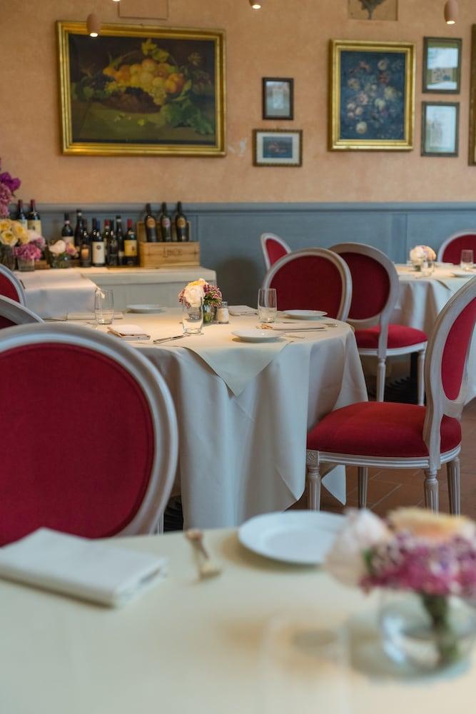 버니니 팰리스 바이 발리오니 호텔(Bernini Palace) Hotel Image 56 - Restaurant