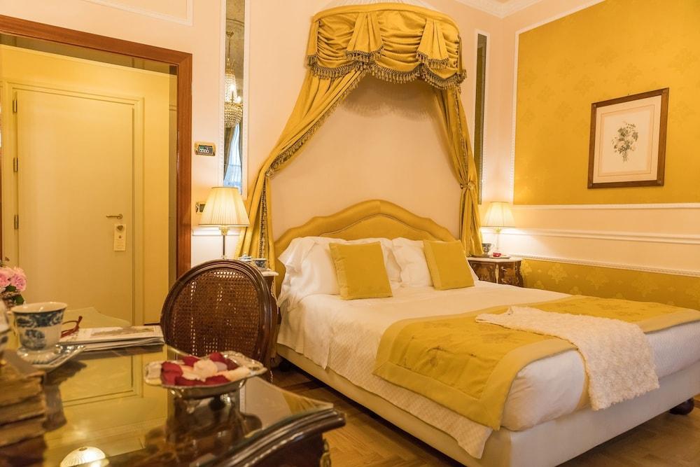 버니니 팰리스 바이 발리오니 호텔(Bernini Palace) Hotel Image 8 - Guestroom