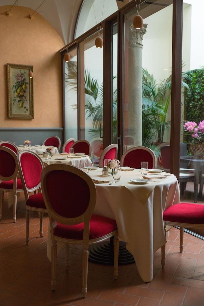 버니니 팰리스 바이 발리오니 호텔(Bernini Palace) Hotel Image 58 - Restaurant