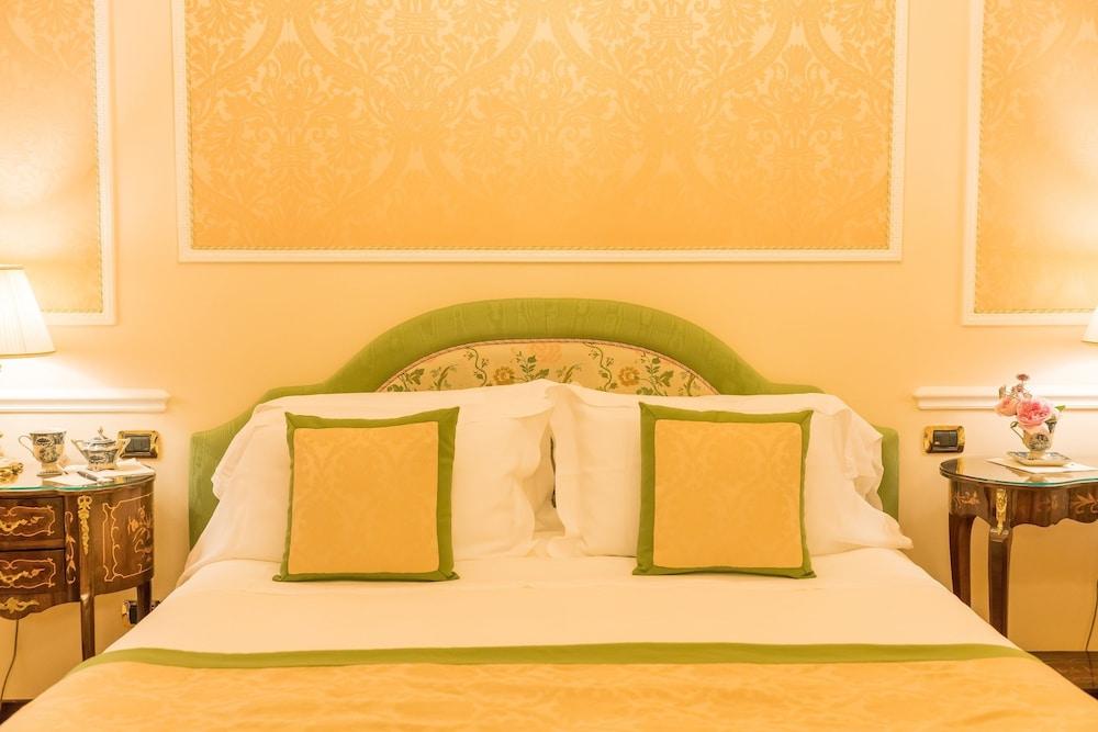 버니니 팰리스 바이 발리오니 호텔(Bernini Palace) Hotel Image 11 - Guestroom