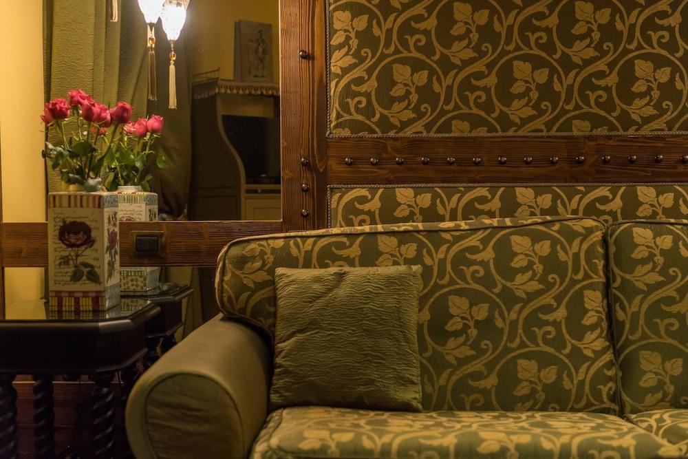 버니니 팰리스 바이 발리오니 호텔(Bernini Palace) Hotel Image 36 - Living Area