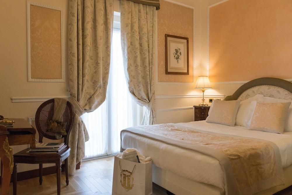 버니니 팰리스 바이 발리오니 호텔(Bernini Palace) Hotel Image 34 - Guestroom