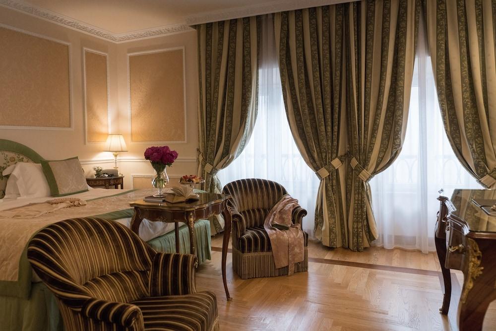 버니니 팰리스 바이 발리오니 호텔(Bernini Palace) Hotel Image 35 - Guestroom