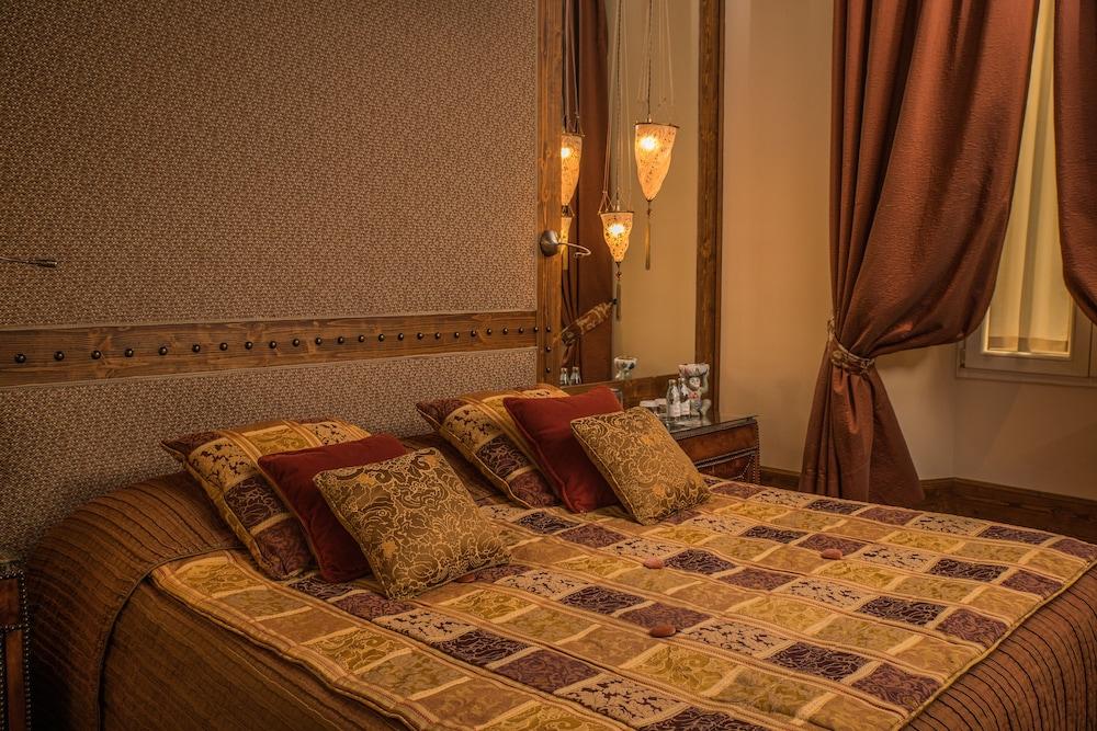 버니니 팰리스 바이 발리오니 호텔(Bernini Palace) Hotel Image 6 - Guestroom