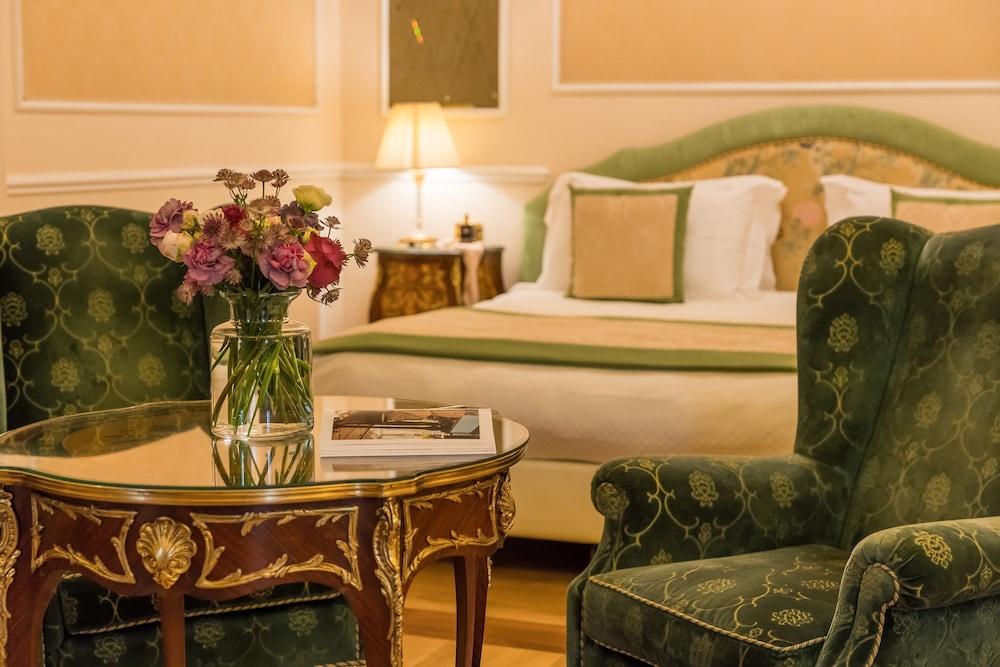 버니니 팰리스 바이 발리오니 호텔(Bernini Palace) Hotel Image 27 - Guestroom