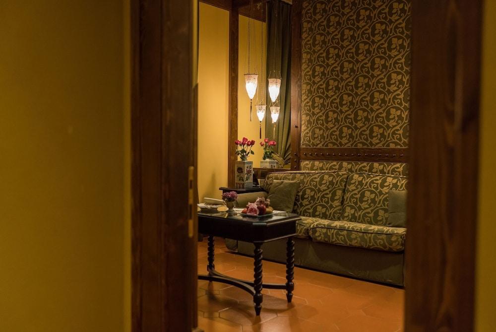 버니니 팰리스 바이 발리오니 호텔(Bernini Palace) Hotel Image 39 - Living Area