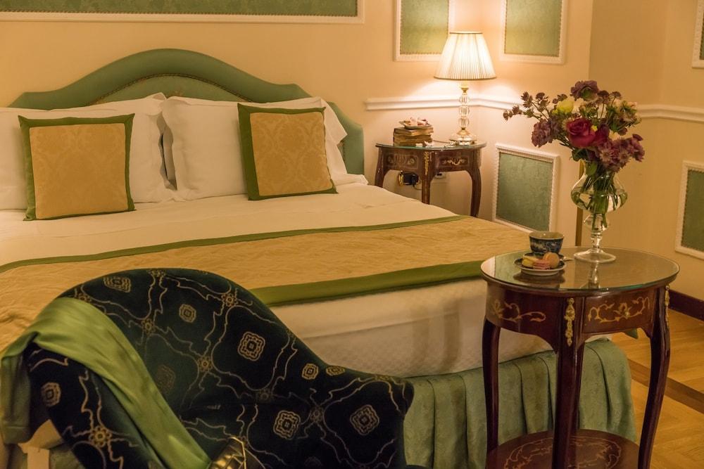 버니니 팰리스 바이 발리오니 호텔(Bernini Palace) Hotel Image 28 - Guestroom