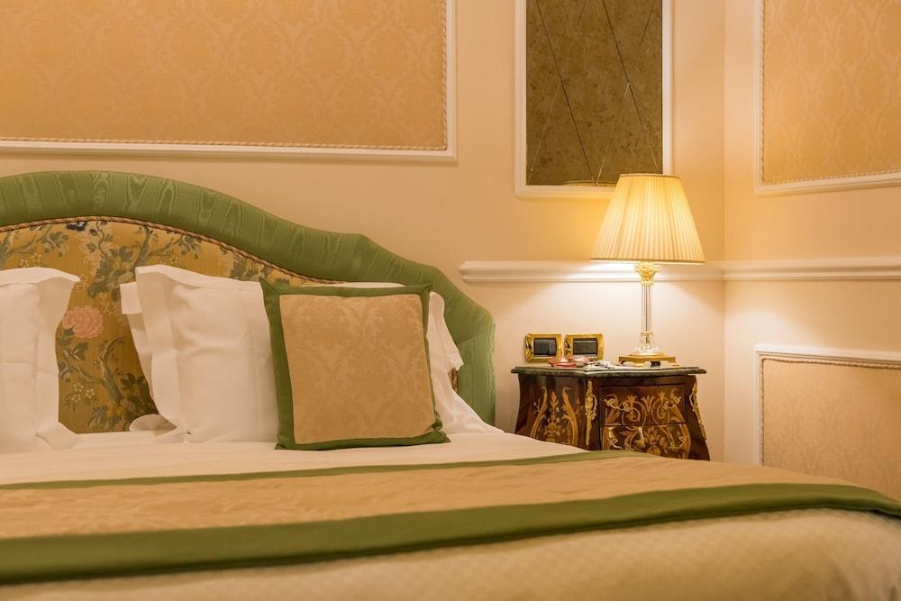 버니니 팰리스 바이 발리오니 호텔(Bernini Palace) Hotel Image 29 - Guestroom