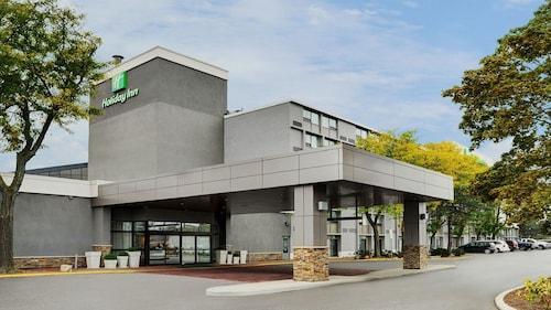 . Holiday Inn Burlington Hotel & Conference Centre, an IHG Hotel