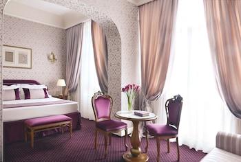 隆達皇宮飯店