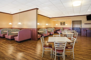 Wytheville Vacations - Ramada by Wyndham Wytheville - Property Image 1