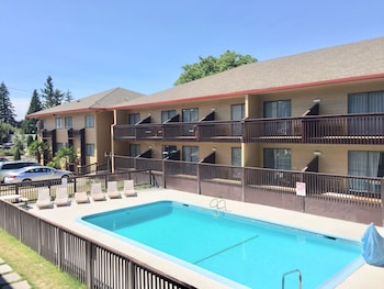 Hotel - Howard Johnson by Wyndham Portland Airport