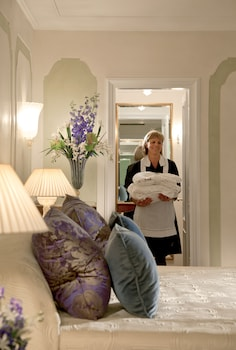 Room, 1 Queen Bed (Single Room)