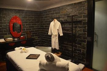 ルネッサンス 上海 ヤンツェ ホテル (上海揚子江万麗大酒店)