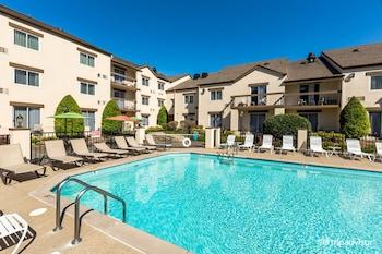 納什維爾套房飯店及俱樂部 Club - Hotel Nashville Inn & Suites
