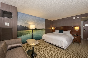 Club Room, 1 King Bed, Non Smoking