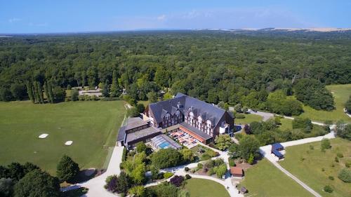 __{offers.Best_flights}__ Domaine de la Foret d'Orient - Natur'Hotel Golf & Spa