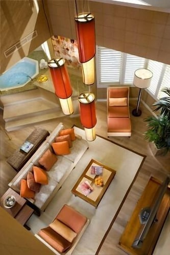 Tropicana Las Vegas - a DoubleTree by Hilton Hotel image 41
