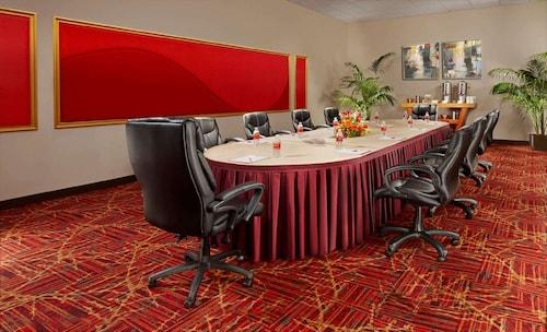 Tropicana Las Vegas - a DoubleTree by Hilton Hotel image 5