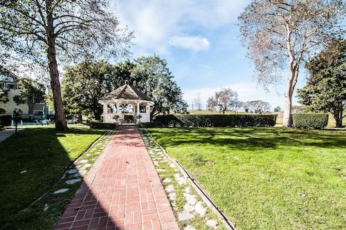 Residence Inn By Marriott Oxnard At River Ridge, Ventura