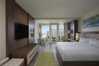 Sirene, Age 21 Only, 2 adults only, Partial Gulf View Guest room, 1 King