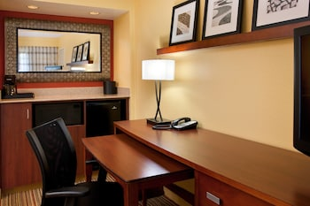 Guestroom at Courtyard by Marriott San Diego Sorrento Valley in San Diego