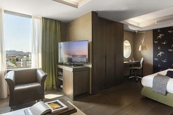 Suite, Acropolis View