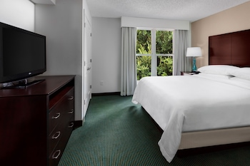 Guestroom at Embassy Suites Lake Buena Vista Resort in Orlando