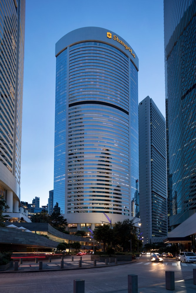 https://i.travelapi.com/hotels/1000000/20000/14500/14435/0f0b51a6_z.jpg