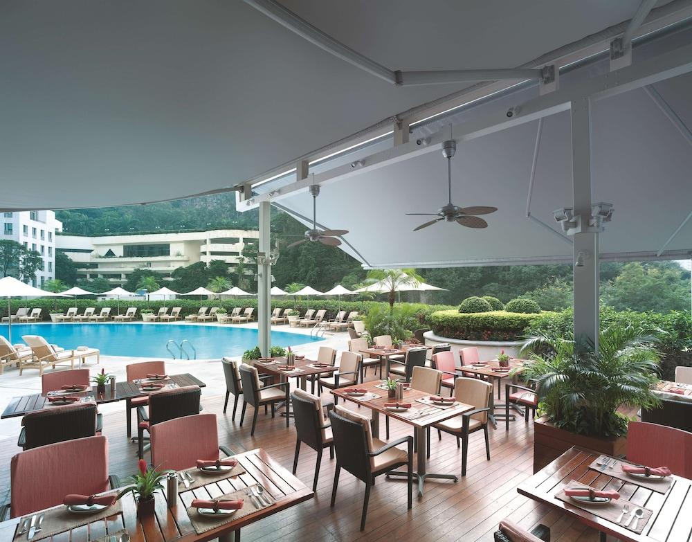 https://i.travelapi.com/hotels/1000000/20000/14500/14435/7bfab594_z.jpg