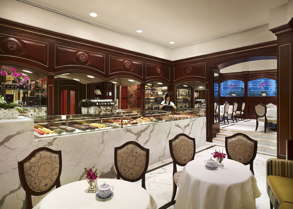 https://i.travelapi.com/hotels/1000000/20000/14500/14435/8fb704e3_z.jpg
