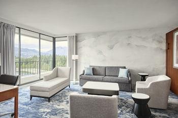 Panoramic Suite, 1 Bedroom, Non Smoking, Mountain View
