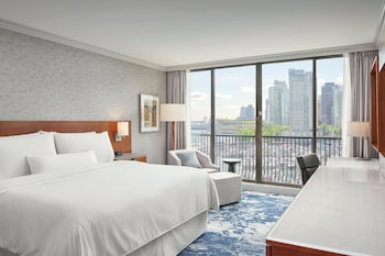 Premium Room, 1 King Bed, Non Smoking, Marina View
